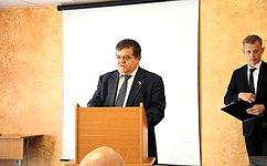 В. Джабаров: Намолодежных парламентских слушаниях вЕАО обсуждалось развитие общественных движений молодежи врегионе иРоссии