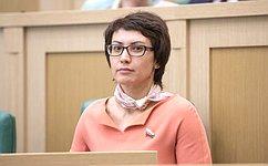 Т. Лебедева поздравила победителя Первенства Европы покикбоксингу