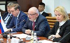 А. Клишас провел «круглый стол» повопросам законодательства сучастием китайских парламентариев