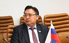 А. Акимов приветствовал участников II Вилюйского образовательного форума «Образование— драйвер развития»