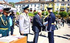 Н.Тихомиров: Получение офицерских погон– нетолько радость для курсантов, ноиогромная ответственность засудьбу страны