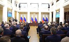 Президент России В. Путин встретился счленами Совета законодателей РФ