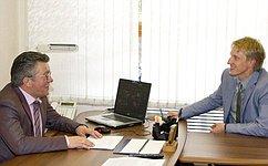 В. Озеров провел рабочую встречу сроссийским конькобежцем Иваном Скобревым