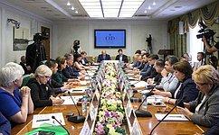 Ю. Воробьев подвел итоги работы Комитета общественной поддержки жителей Юго-Востока Украины впервом полугодии 2016года