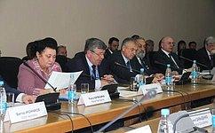 Освоение арктических территорий страны должно стать общей задачей, как регионов, так иРоссийской Федерации– В.Семенов