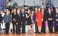 Т. Лебедева наградила победителей международного турнира поспортивным танцам вВолгограде