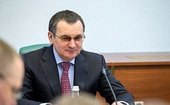 Н. Федоров обсудил вЧебоксарах вопросы улучшения жилищных условий ветеранов ипроблемы занятости населения