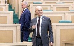 Повышение цен наавтомобильное топливо ивопросы проведения ЕГЭ обсудили сенаторы входе «парламентской разминки»