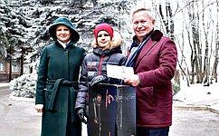 М. Афанасов поздравил Сашу Турапина, проходящего лечение вСтавропольской краевой клинической больнице