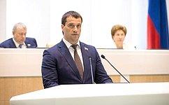 СФ одобрил изменения взакон озанятости, вчасти начисления пособия побезработице лицам, уволенным своенной службы попризыву