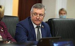 С. Михайлов: ВЗабайкалье остается сложной ситуация ссозданием новых мест вобщеобразовательных учреждениях