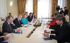 Председатель СФ В. Матвиенко провела встречу сПредседателем ПАСЕ Л.Паскье