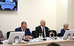 С. Горняков иВ. Круглый провели совещание вВолгограде поорганизации лечения орфанных заболеваний