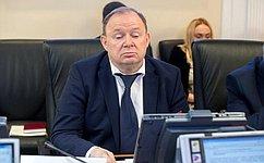 В. Лаптев провел совещание, посвященное восстановлению Спасского собора вНовосибирской области