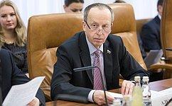 Е. Алексеев принял участие всовещании повопросам реконструкции аэродрома Нарьян-Мар