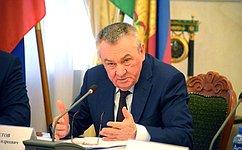 Высокий уровень развития регионов ЮФО обусловлен, втом числе, слаженной работой исполнительной изаконодательной властей— В.Бекетов