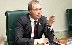 А.Кутепов иД.Шатохин внесли законопроект, направленный наупрощение трудовой адаптации осужденных