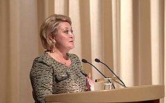 Л. Гумерова: Тема защиты семьи идетства была иостается приоритетной для верхней палаты Федерального Собрания
