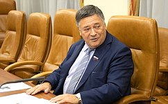 С. Калашников провел заседание Временной комиссии Совета Федерации помониторингу экономического развития