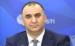 М.Ахмадов отметил важность социального блока поправок кКонституции РФ
