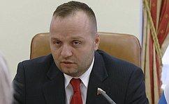 К. Добрынин: Тема ношения иприменения оружия вцелях самообороны должна быть врегулярном фокусе парламентского внимания