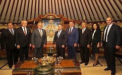 Сенаторы входе визита вМонголию встретились сПрезидентом страны идепутатами Великого Государственного Хурала