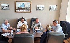 В. Тимченко принял участие врабочей встрече спредставителями строительной отрасли