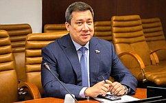 В. Полетаев встретился ссотрудниками министерства внутренних дел иМЧС поРеспублике Алтай