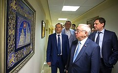 Наоткрывшейся вСФ выставке изделий золотошвей изТоржка представлен народный промысел стысячелетней историей