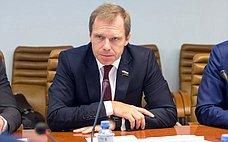 А.Кутепов иС.Фабричный вносят законопроект, направленный наразвитие производственного сектора УИС