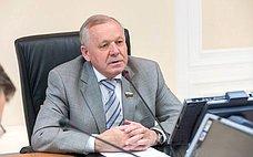 В. Шуба рассказал иркутским журналистам обитогах работы Совета Федерации ввесеннюю сессию 2017года