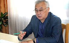 Б. Жамсуев: ВАгинском Бурятском округе строительные работы наобъектах социальной сферы должны быть завершены качественно ивсрок