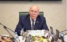 Д. Мезенцев входе поездки вЮжно-Сахалинск обсудил вопрос оптимизации дорожного движения вгороде