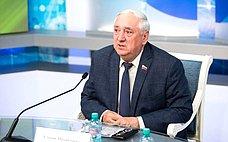 С.Киричук: Отработы педагогов вомногом зависит будущее страны