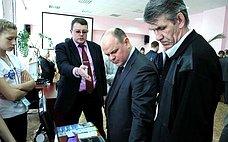 А.Дмитриенко посетил экспозицию работ участников всероссийского конкурса-олимпиады архитектурно-художественного творчества