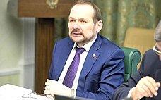 С.Белоусов: Под сохранность городских лесов будет подведена законодательная база