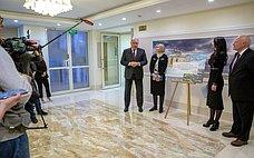 ВСовете Федерации открылась фотовыставка «Мир глазами жен российских дипломатов»
