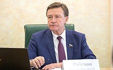 С.Рябухин: Ввесеннюю сессию закон обипотечных каникулах будет принят