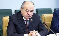 Совет Федерации активно взаимодействует сРАН иподдерживает развитие науки— И.Умаханов