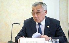 Б. Жамсуев: Сотрудничество между Россией иКиргизией развивается помногим направлениям