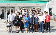 О. Ковитиди: ВКрыму всё большее количество студентов принимают участие вработе общественных приемных сенатора