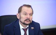 С. Белоусов: Важно сохранить средообразующие, защитные, оздоровительные ииные полезные функции городских лесов