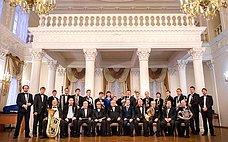 В. Харлов принял участие вторжественных мероприятиях вчесть 15-летия содня создания Ульяновского государственного духового оркестра «Держава»