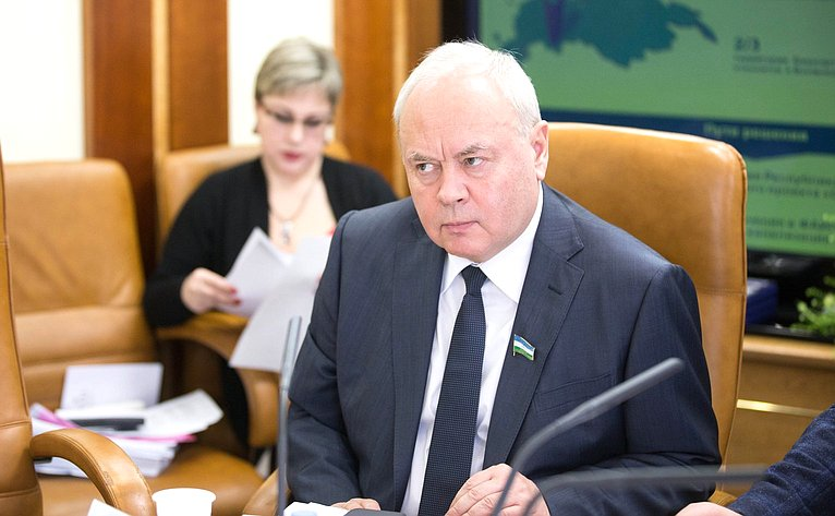 Константин Толкачев