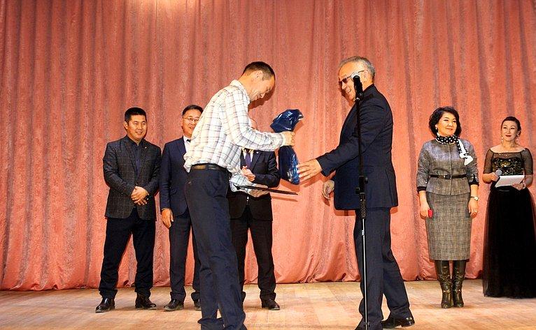 Баир Жамсуев принял участие вторжественных мероприятиях пооткрытию объектов социальной инфраструктуры врамках реализации мероприятий Плана социального развития центров экономического роста Забайкальского края