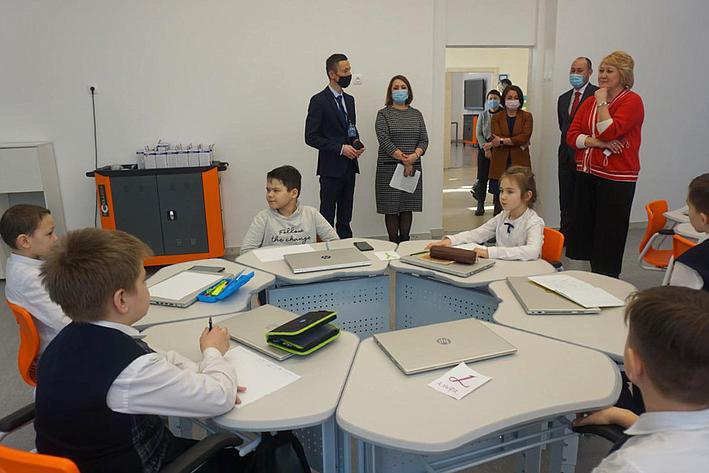 Лилия Гумерова встретилась сучащимися ипедагогами Полилингвальной многопрофильной школы вУфе
