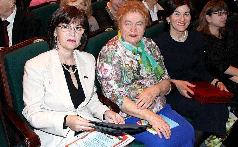 ВВолгограде состоялся областной съезд волонтеров детства, приуроченный к30-летию содня образования регионального отделения «Российского детского фонда»