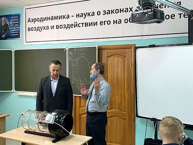Олег Алексеев побывал вКраснокутском летном училище гражданской авиации имени заслуженного пилота СССР Васина И.Ф