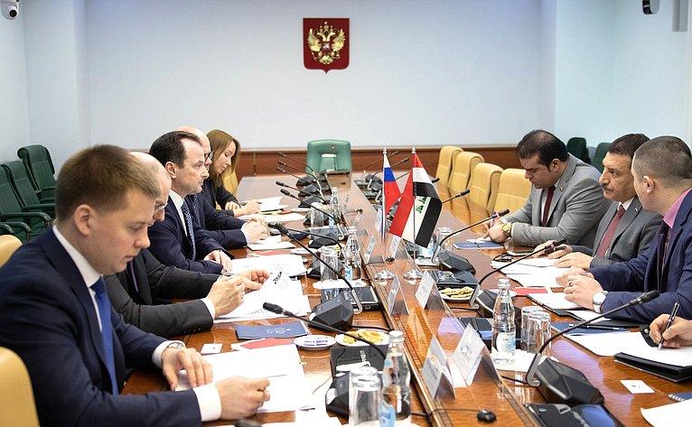 Встреча Юрия Федорова сЧрезвычайным иПолномочным Послом Республики Ирак вРФ Абдулрахманом Хамидом Мохаммедом Аль-Хуссайни