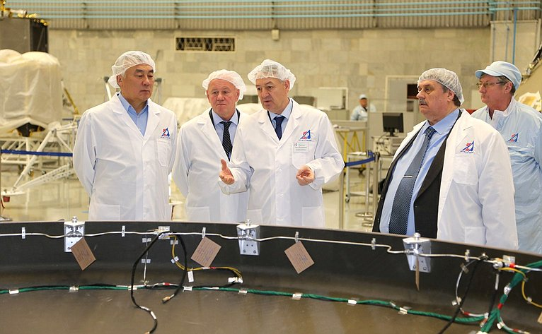 Б. Жамсуев иМ. Козлов встретились сруководством Научно-производственного объединения имени С.А. Лавочкина